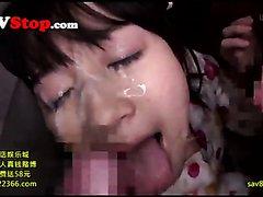 Japanese slut gets Bukkake while Deepthroating!