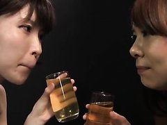 Jap Lesbian Pee drinking