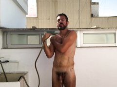 Cold shower naked  douche