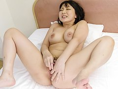 Sweet finger fucking moments with Megumi Haruka - More at j....net