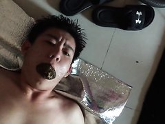 chineseslave toliet footworship suck dick