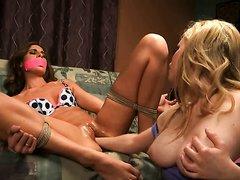 Mistress Fuckes Her Lesbian Slave
