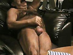 Hard Ballbusting - video 2