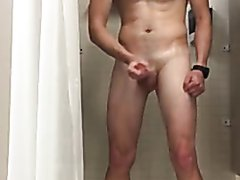 Bear jerkoff in the shower...