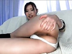 Hot Japanese girl taking a shit