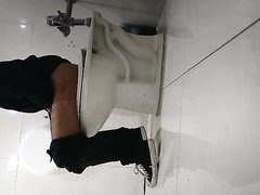 Mexican Teen Worker needs privacy