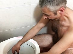 Washing in toilet after Scat