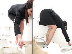 japaense rush for poop