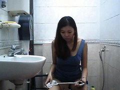 Toilet Voyeur - video 9