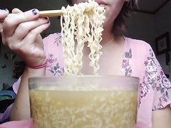 Teen Girl Swallow Noodle - video 2