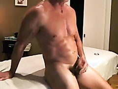 Young twink fucks muscle daddy