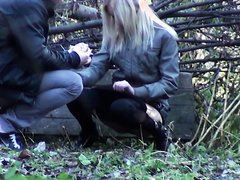 WOMAN PISSING IN FRONT OF BOYFRIEND 2