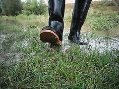Rubber boots vs snails - video 3