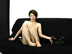 Japan Babe Fisting And Smearing Shit On Her Ass!