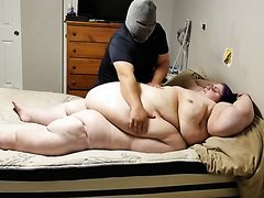 SSBBW Gets Rubbed