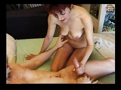 Mature Slut Have Dirty Fun With Younger