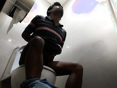 toilet hv 90- Cute indian guy quick poo