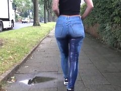flashing + public pissing in tight jeans