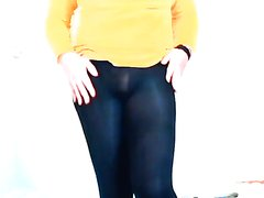 Tgirl desparation pee in green tights (pantyhose)