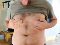 Hot gooning popper pig cums handsfree