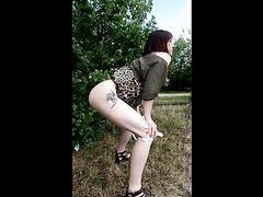 outdoor shitting - video 2