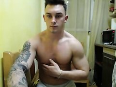 HOT MUSCLE BOY SHOWING GREAT DICK