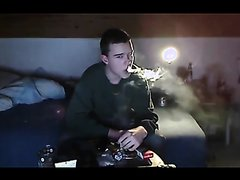 upl76 - young guy smoking reds in bedroom