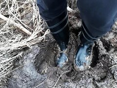 Rubber boots vs manure