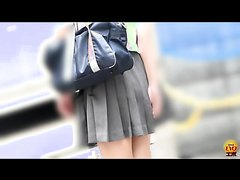 JAPANESE SCHOOL GIRL OUTDOOR DIARRHEA 1-3