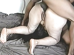 Fat chick squirts while fucked in the ass