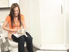 Hot girl farting on the toilet