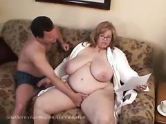 thick cougar playing