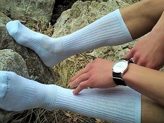 White tube socks - video 2